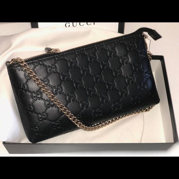 66bd76382e74 Gucci Handbags - GUCCI Black Guccissima Signature Wrist Wallet